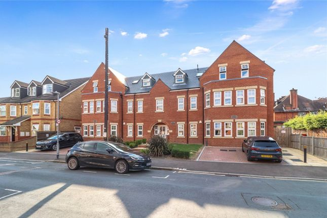 3 bed flat for sale in Alexandra Road, Watford WD17