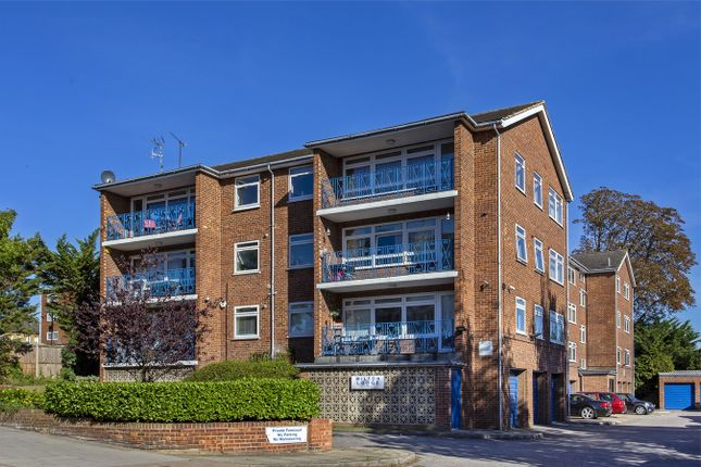 Thumbnail Flat for sale in Milton Lodge, Station Road, Winchmore Hill