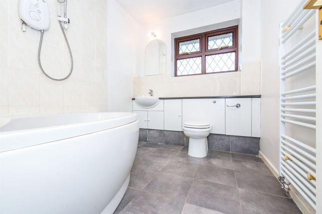 Family Bathroom of Riverside Way, Littlethorpe, Leicester LE19