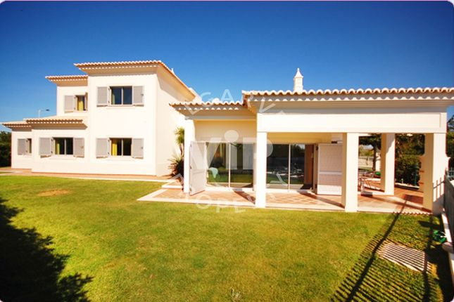 5 bed villa for sale in Patroves, Albufeira, Algarve