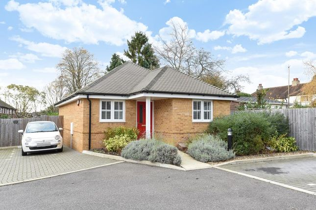 2 bed detached bungalow for sale in Amersham, Buckinghamshire