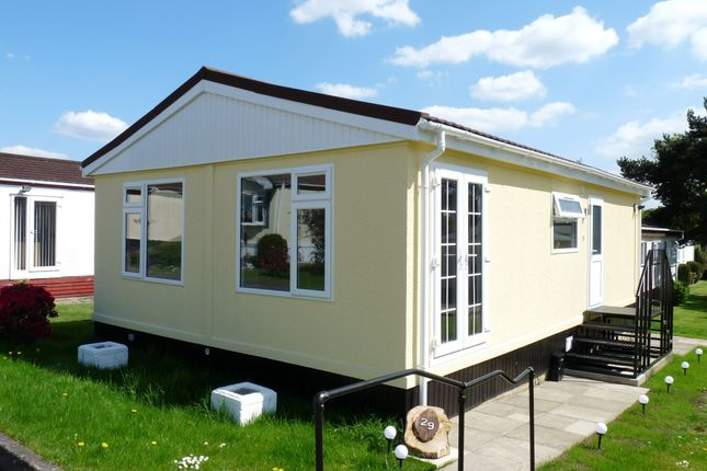 Thumbnail Mobile/park home for sale in St. Brelades Court, Crouch House Road, Edenbridge