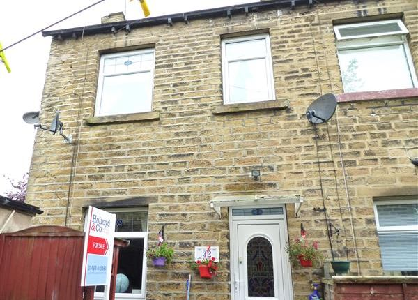 Thumbnail Cottage for sale in Crossley Place, Linthwaite, Huddersfield