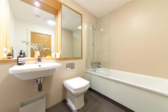 Bathroom of Hargood House, 7 Norway Street, Greenwich, London SE10