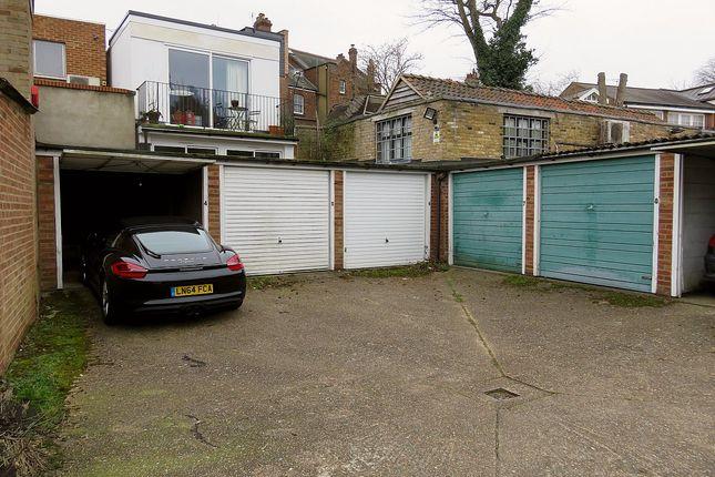Parking/garage to rent in Townsend Yard, Highgate
