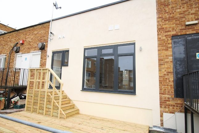 2 bed flat for sale in The Marlowes Centre, Marlowes, Hemel Hempstead