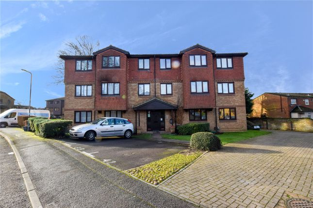 Thumbnail Flat for sale in Tylersfield, Abbots Langley, Hertfordshire