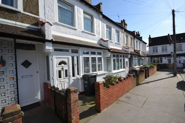 3 bed terraced house to rent in Gilsland Road, Thornton Heath
