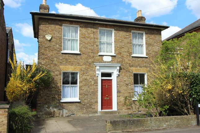 3 bed detached house to rent in Manor Road, East Molesey KT8