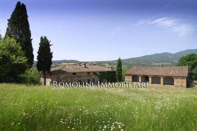 7 bed farmhouse for sale in Pieve Santo Stefano, Tuscany, Italy