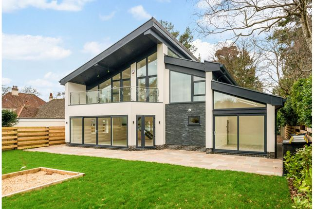 Thumbnail Detached house for sale in Upper Golf Links Road, Broadstone