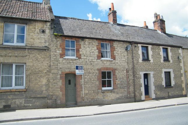 3 bed terraced house for sale in London Road, Calne