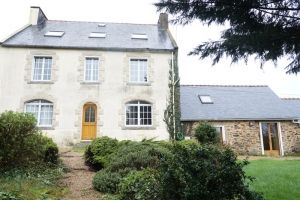 5 bed property for sale in Locmaria-Berrien, Bretagne, 29690, France
