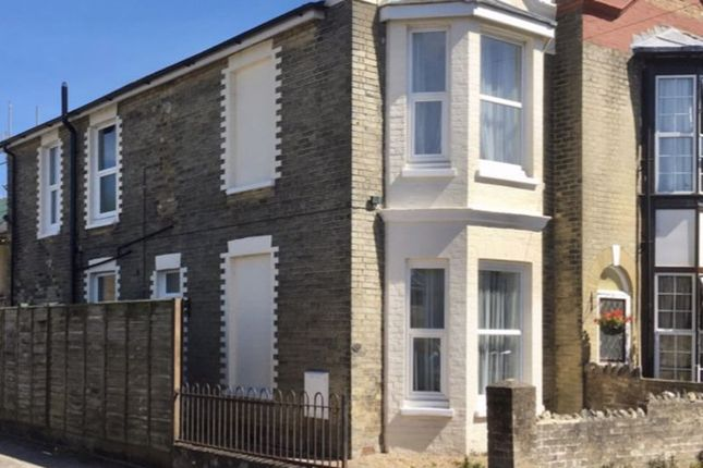 Thumbnail Semi-detached house to rent in Victoria Street, Ryde