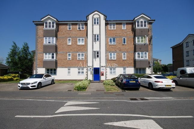 Thumbnail Flat for sale in Tennyson Close, Scotland Green Road, Ponders End, Enfield