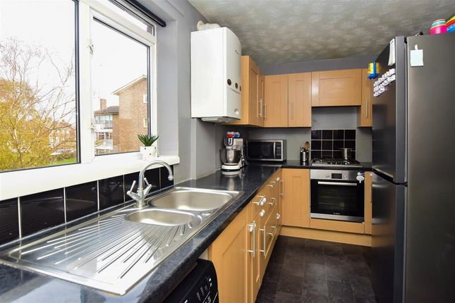 Thumbnail Flat for sale in Highams Hill, Gossops Green, Crawley, West Sussex