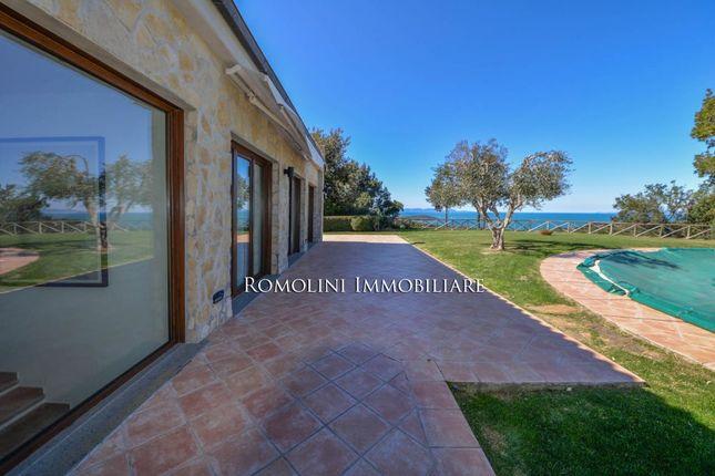 Villa for sale in Castiglione Della Pescaia, Tuscany, Italy