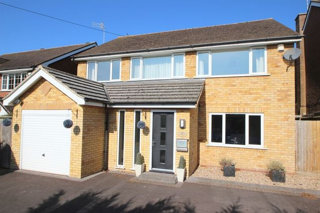 Thumbnail Detached house for sale in Sidelands Road, Stratford-Upon-Avon