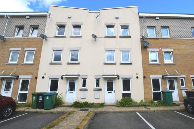 Thumbnail Town house to rent in Whippendell Road, Watford