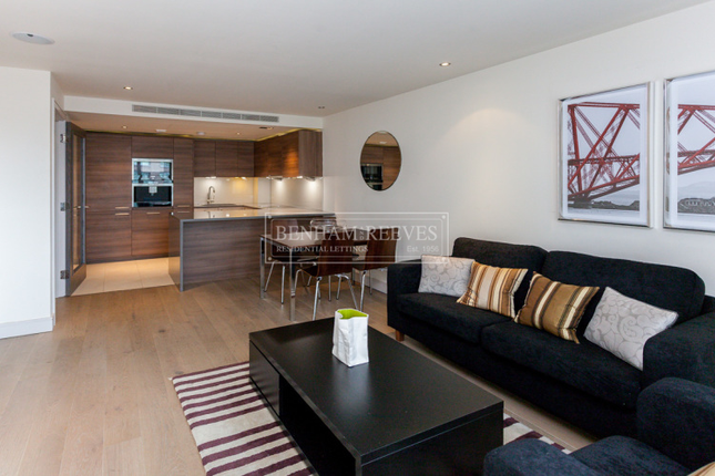 2 bed flat to rent in Park Street, Fulham