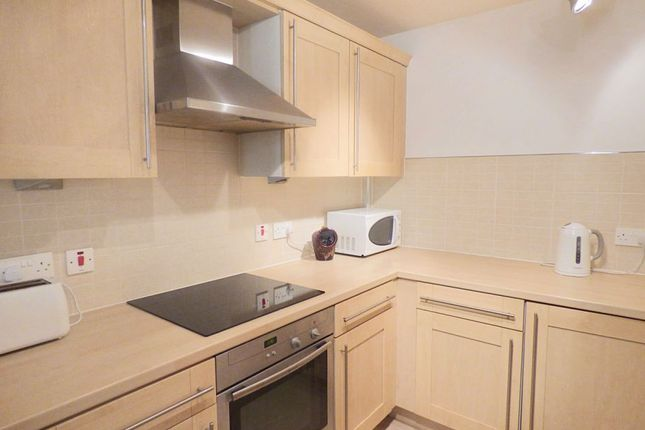 Thumbnail Flat for sale in Charlotte Close, Halifax