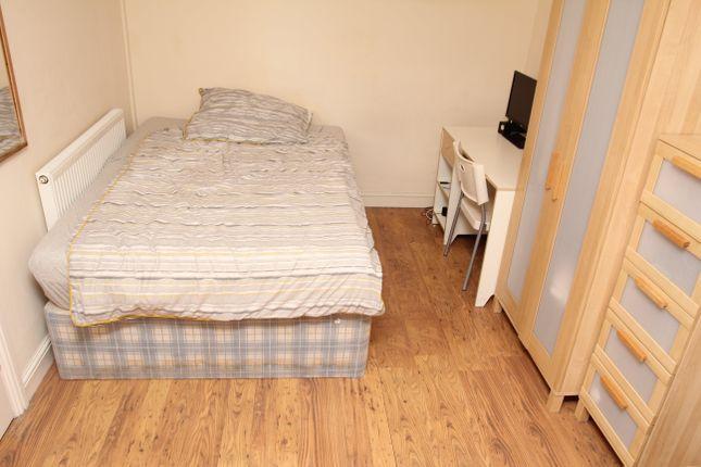 Thumbnail Property to rent in Raymond Terrace, Treforest, Pontypridd