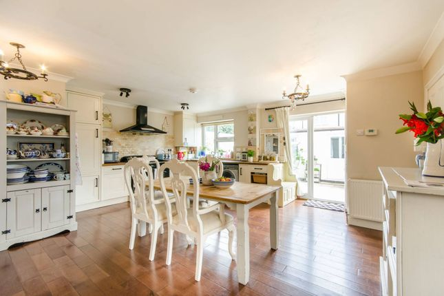 Thumbnail Property for sale in Chilham Close, Perivale, Greenford