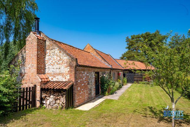 Thumbnail Barn conversion for sale in Burnham Rd, South Creake