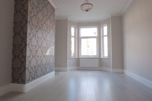 Thumbnail Terraced house to rent in Ravensworth Road, Hyde Park