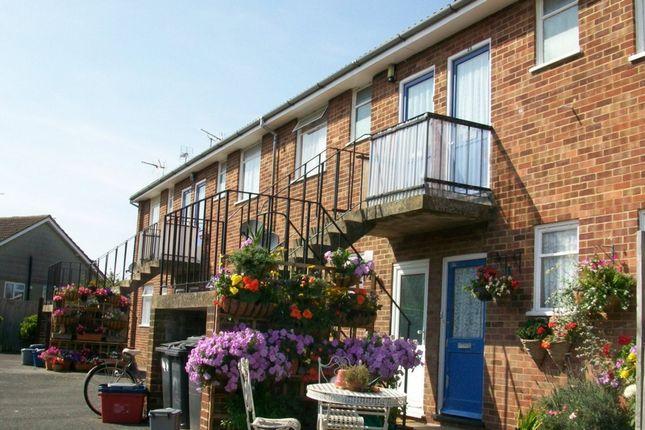 Thumbnail Flat to rent in Highgate Road, South Tankerton