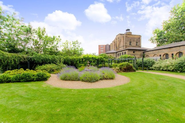 2 bed flat for sale in Nautilus Building, Angel
