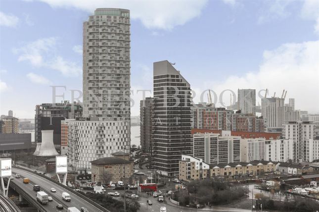 Picture 12 of Roosevelt Tower, Williamsburg Plaza, Canary Wharf E14