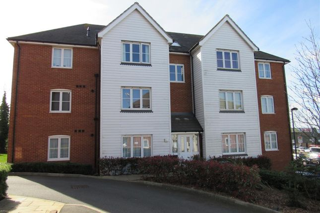 2 bed flat for sale in The Links, Herne Bay
