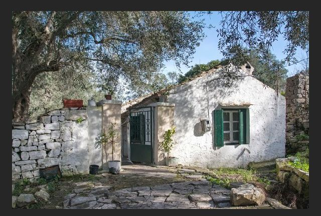 2 bed bungalow for sale in Paxos, Epirus, Greece