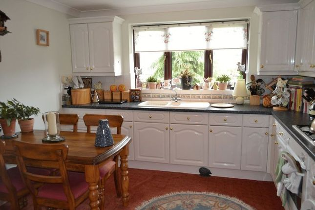 Thumbnail Bungalow for sale in Hawthorn Close, Wootton, Ulceby