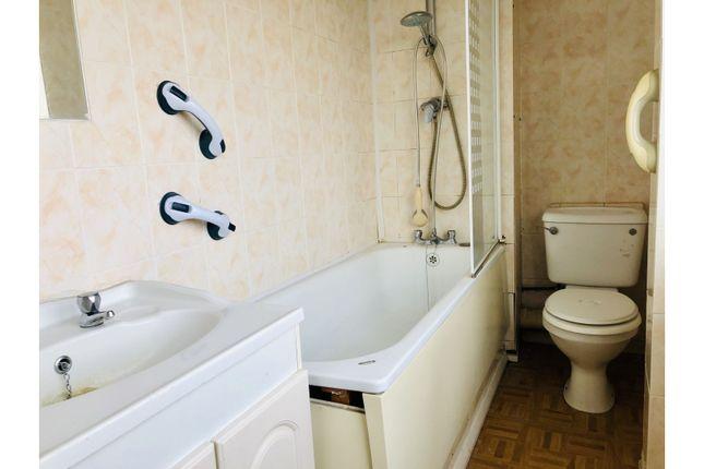 Family Bathroom of Plumley Walk, Havant PO9