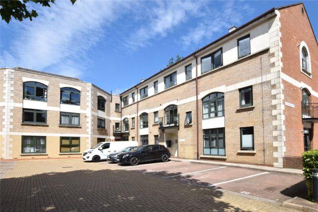 Thumbnail Flat to rent in Windsor Court, Corner Hall, Hemel Hempstead, Hertfordshire