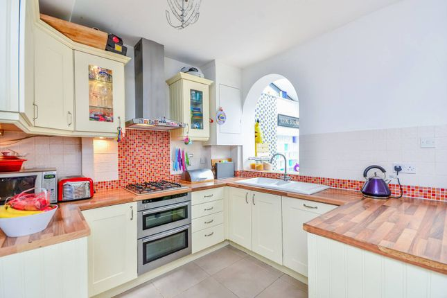 Thumbnail Property to rent in Rogers Road, Tooting Broadway, London