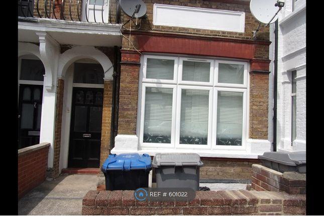 Thumbnail Flat to rent in Garden (Lower), London