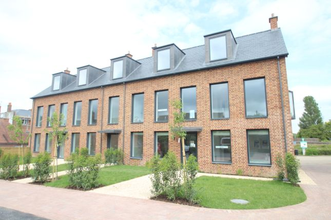 Thumbnail Flat for sale in Bewick Mews, High Street, Hungerford