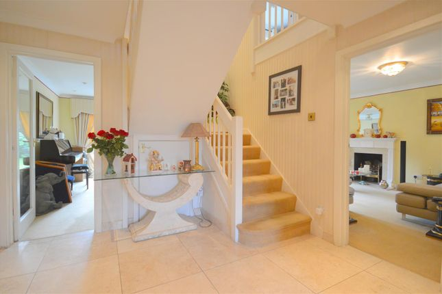 Thumbnail Detached house to rent in Bridleway Close, Epsom