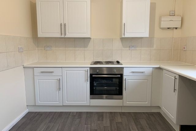 Thumbnail Studio to rent in High Street, Bramley, Guildford, Surrey