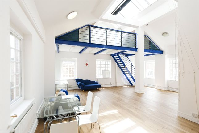 Thumbnail Property for sale in Chapel Place, London
