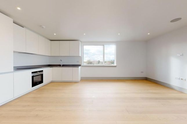 Thumbnail Flat to rent in Coomb House, St Johns Road, Isleworth