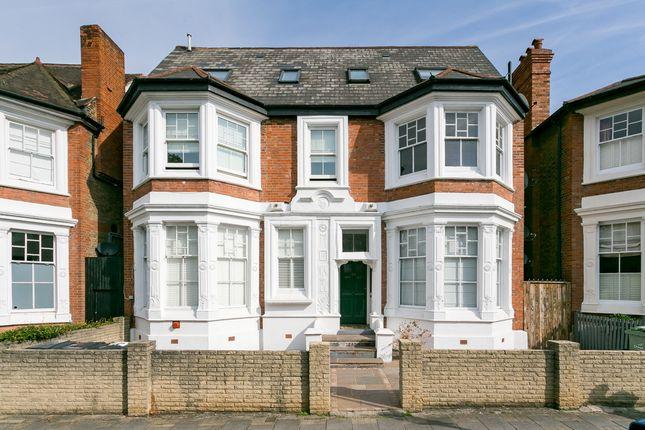 Thumbnail Flat for sale in Telford Avenue, London