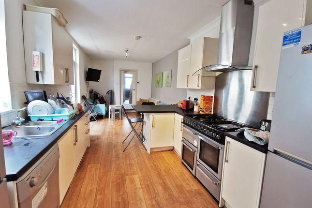Kitchenlounge_A of Mackintosh Place, Roath, Cardiff CF24