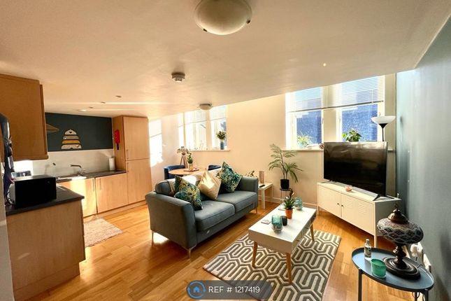 2 bed flat to rent in Fountain Street, Morley, Leeds LS27