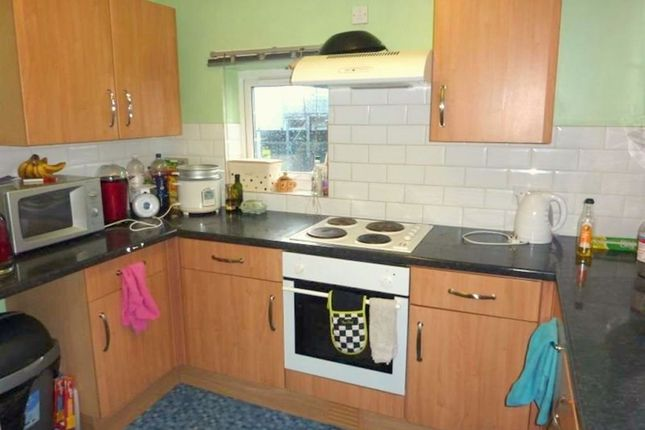 Thumbnail Flat to rent in Cardigan Road, Hyde Park, Leeds