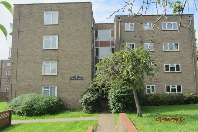 1 bed flat to rent in Willis House, Hoopers Road, Rochester, Kent ME1