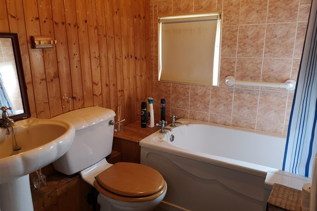 Bathroom.Png of Orchard Caravan Site, Hopton ST18